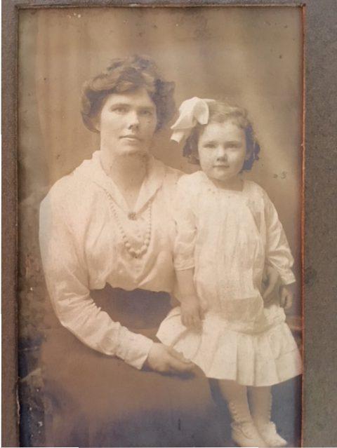 Photo of Hannah OBrien & Marion (O'Brien) Hanlon